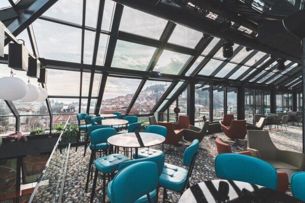 Проект Rooftop Bar and Restaurant Sky Corner